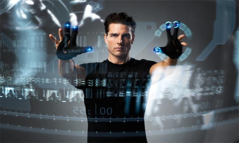 Tom Cruise n'a même pas besoin de regarder ce qu'il fait, mais en même temps, c'est Tom Cruise.