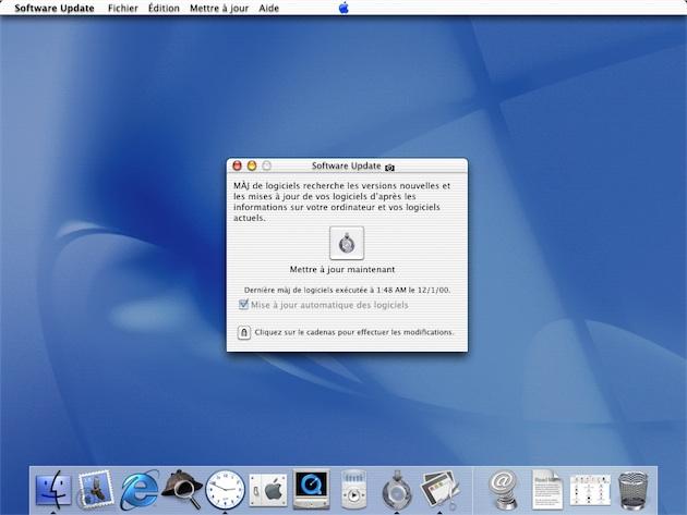 Mac OS X Public Beta a étrenné le système de mises à jour en ligne, depuis intégré au Mac App Store. Remarquez la pomme centrée au milieu de la barre de menus. Image MacGeneration.