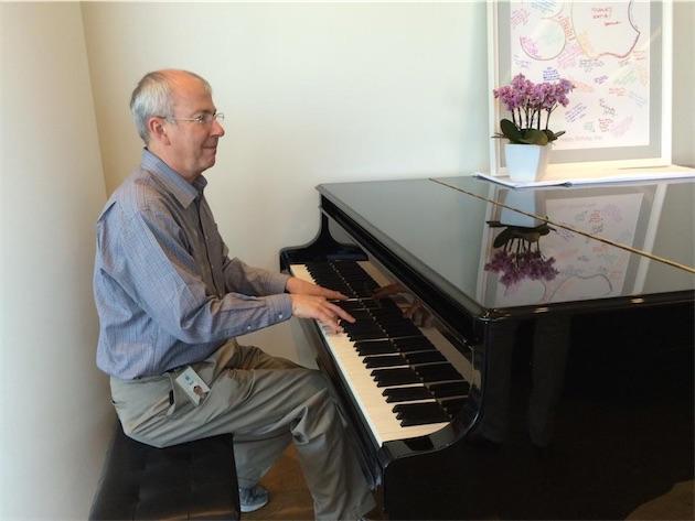 Le piano Bosendorfer offert par Steve Jobs à l'équipe Macintosh, dans le Piano Bar de l'IL4. Image Axel J.