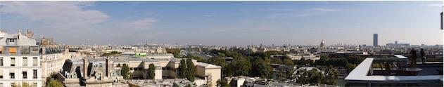 Un panorama sur la terrasse des locaux parisiens d'Apple. Image Anthony Nelzin.