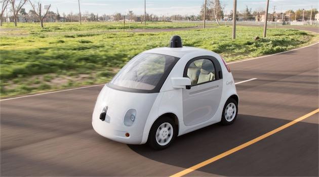 Google prévoit des voitures qui pourraient rouler sans chauffeur, et en tout cas sans conducteur à bord.