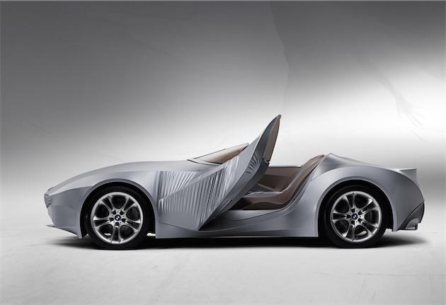 Le concept BMW Gina, précurseur de la BMW M8, avec une carrosserie en textile dont les formes ont été façonnées par Aaron Von Minden, qui travaille pour Jony Ive depuis près de 7 ans.