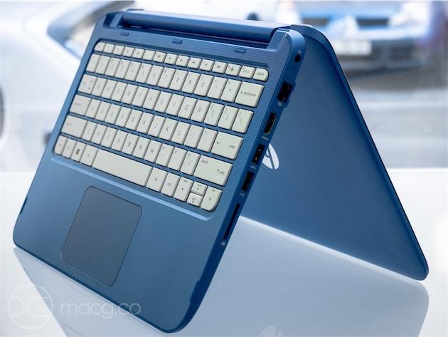 Le Stream x360 dispose d'une sélection de ports à faire pâlir un MacBook Air : un port HDMI, trois ports USB dont un USB 3.0, un port Ethernet, un lecteur SD et une entrée/sortie audio combinée.