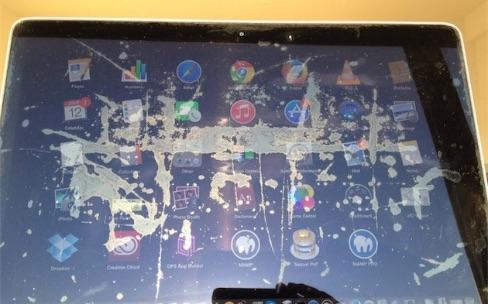 Les écrans Retina des MacBook Pro perdent aussi leur revêtement antireflets