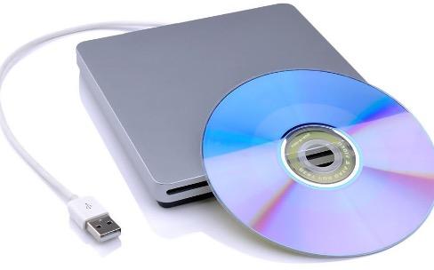 """Promos : un lecteur et graveur de DVD à 26€ et une housse pour portables de 15"""" à 11€"""