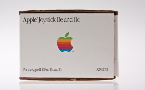 Apple a déjà conçu plusieurs manettes de jeu