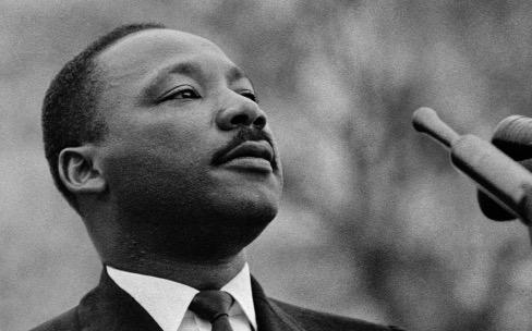 Martin Luther KingJr occupe la page d'accueil d'Apple.com