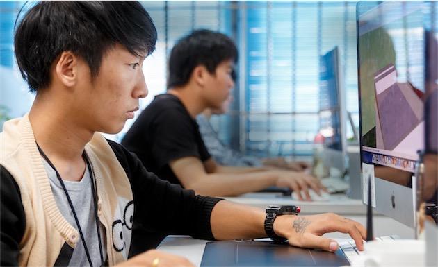 La formation de salariés de Foxconn. Image Apple.