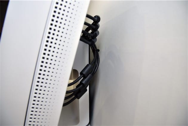 Ce prototype a besoin de plusieurs câbles DisplayPort pour fonctionner normalement… on est encore loin d'une démocratisation de cette technologie.