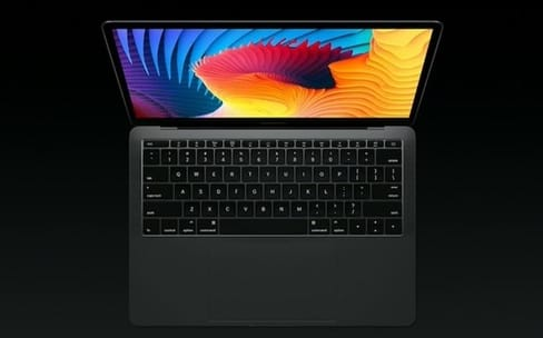 Surprise : un MacBook Pro sans Touch Bar, mais d'entrée de gamme