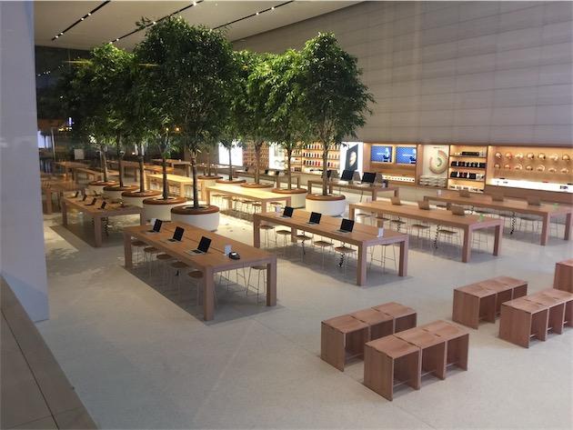 Dans les nouveaux Apple Store, il y a plus d'arbres que d'ordinateurs de bureau. Étonnant, non ?
