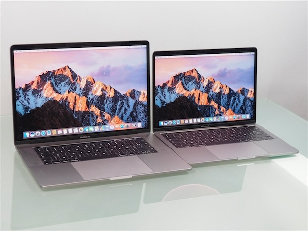 Sur le 15 pouces (à gauche), le trackpad est plus grand qu'un iPhone 7 Plus. Ce qui nécessite de changer ses habitudes pour poser ses mains et doigts ailleurs quand on ne l'utilise pas… Cliquer pour agrandir