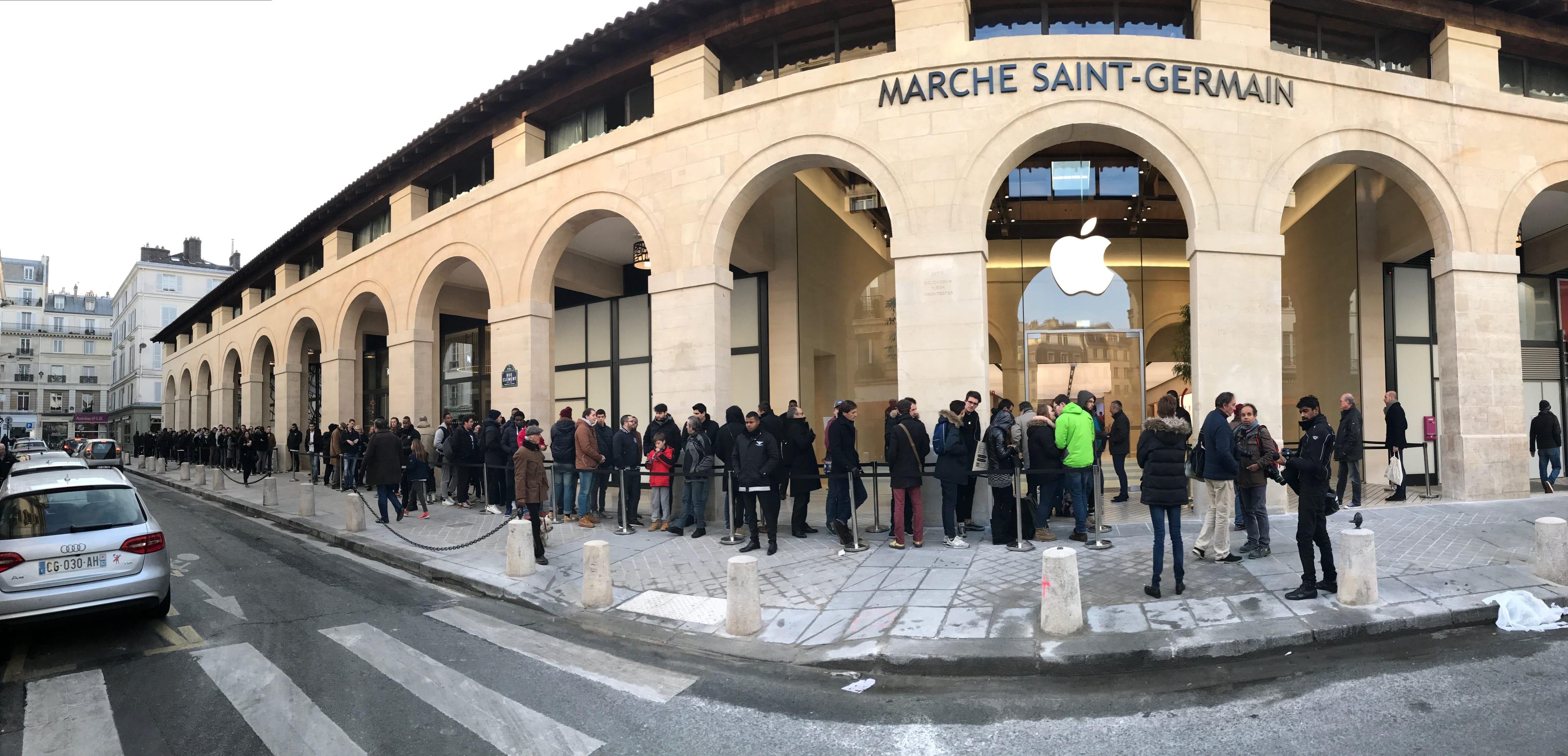 saint germain inauguration de la nouvelle boutique parisienne d 39 apple macgeneration. Black Bedroom Furniture Sets. Home Design Ideas