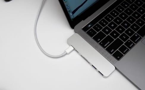 HyperDrive, un hub Thunderbolt 3 compact pour MacBook Pro 2016
