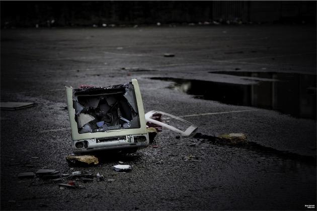 Pas sûr que Craig puisse réparer un iMac dans cet état… (Photo Brian Barnett CC BY-NC-ND 2.0)
