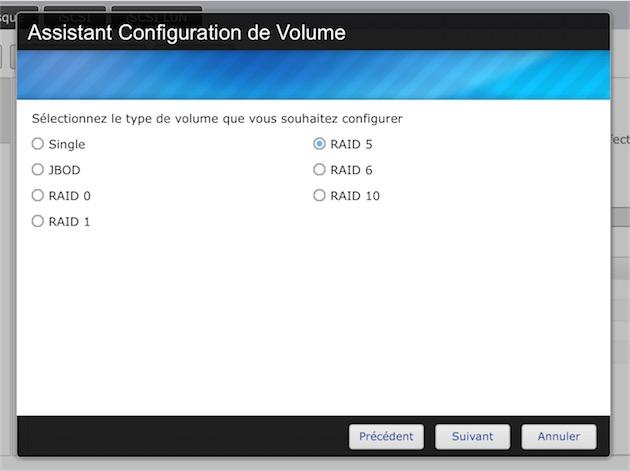 Vous devrez choisir une configuration pour les disques durs installés, parmi ces différentes options proposées.