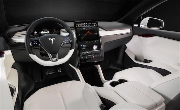 Intérieur d'une ModelX, la nouvelle voiture de Tesla.