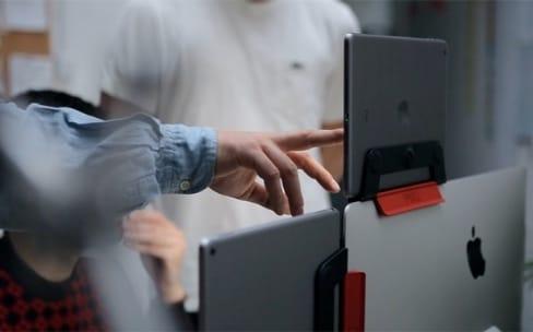 pixo un socle magn tique pour ipad qui compl te l 39 imac macgeneration. Black Bedroom Furniture Sets. Home Design Ideas