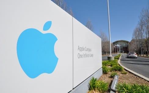 Apple, le frein sur les embauches
