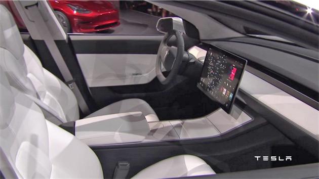 La Model 3 de Tesla est-elle la première voiture pensée avant tout pour la conduite automatique ?