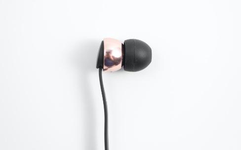 Test des écouteurs sans-fil Sudio Vasa Blå