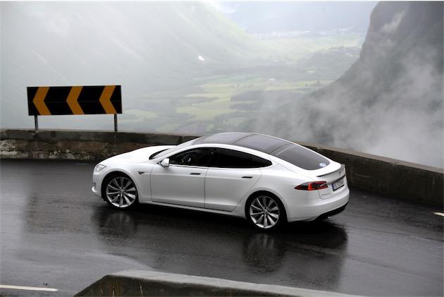 La Model S, première voiture conçue par Tesla (photo Norsk Elbilforening (CC BY 2.0)