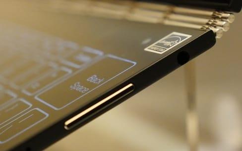Yoga Book : l'étonnant ordinateur/tablette aux deux panneaux tactiles de Lenovo