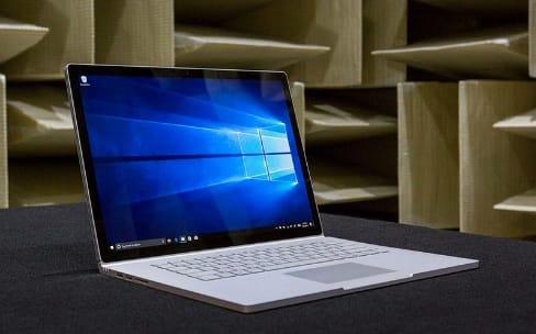 Microsoft lance un grand Surface Book de 15""