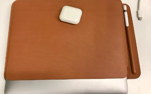 """Prise en main de la housse en cuir d'Apple pour MacBook12"""""""