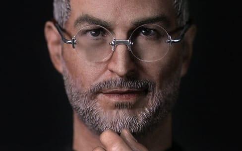 Une figurine de Steve Jobs pour revivre des lancements célèbres