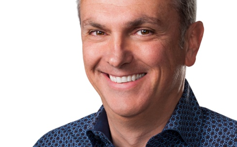 Luca Maestri : « Il sera difficile pour Apple de produire aux États-Unis»