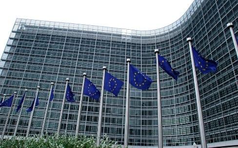 Services : l'UE prépare des mesures contre les pratiques d'Apple, de Google et d'autres
