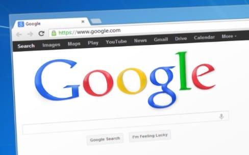 L'Union européenne inflige une amende record de 2,42 milliards d'euros à Google