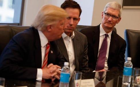 Apple va construire trois «grosses, grosses, grosses» usines aux États-Unis, annonce Donald Trump