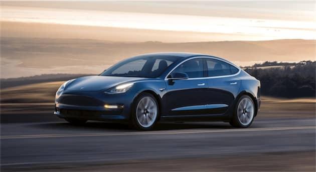 Model 3, couleur « Deep Blue Metallic». Cliquer pour agrandir