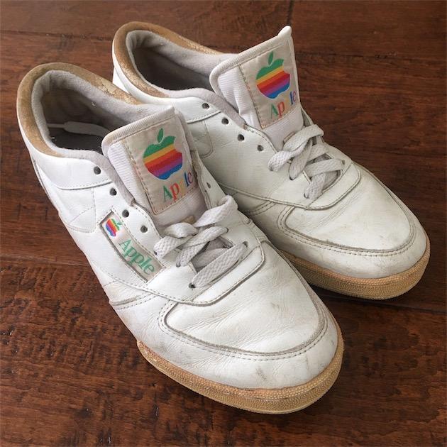 Des baskets Apple à saisir sur eBay pour très cher