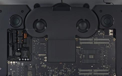 Chez iFixit, l'iMac Pro tout nu dévoile une seconde puce à côté de la T2