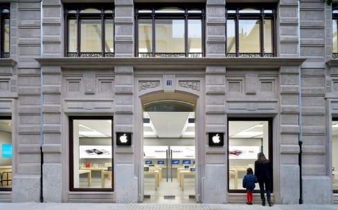 Après la Suisse, l'Espagne : nouvelle évacuation d'Apple Store après l'incendie d'une batterie