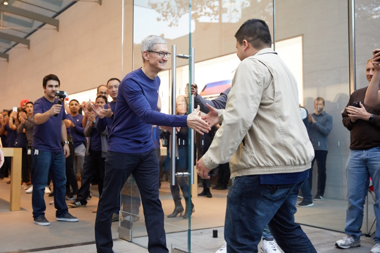 Comment Tim Cook a transformé la direction d'Apple