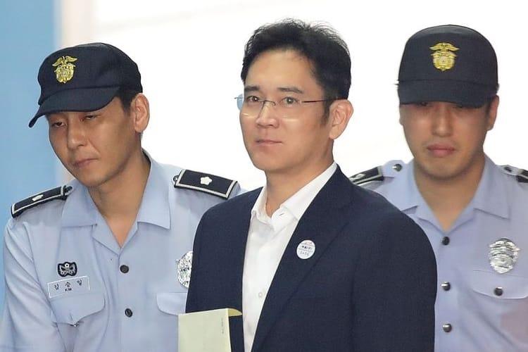 Lee Jae-yong, l'héritier de Samsung, sort de prison plus tôt que prévu