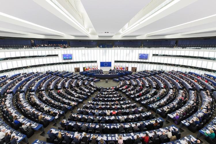L'UE veut forcer tous les géants du web à fournir des infos privées
