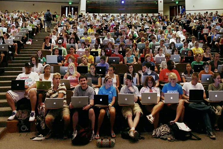 Grillés: les étudiants de Lyon-III utilisent le Wi-Fi pour tout… sauf étudier