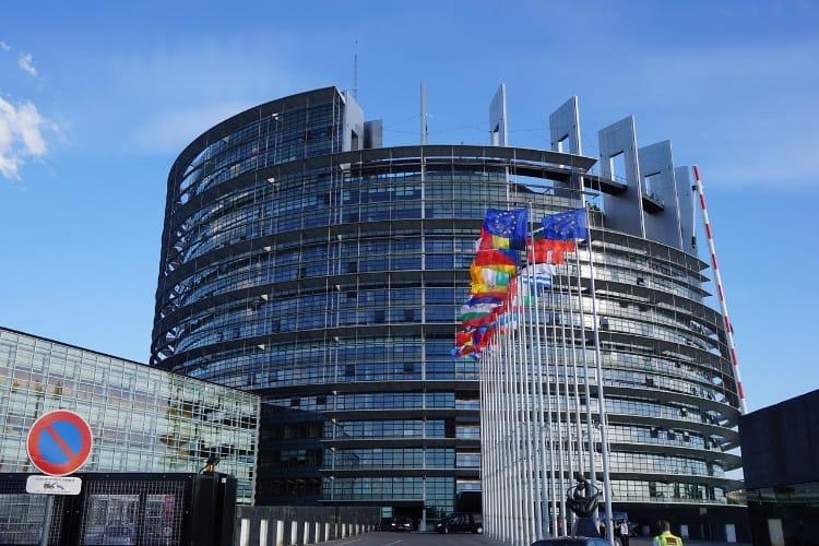 Union européenne : vers une taxe de 3% sur les ventes d'Apple et des GAFA
