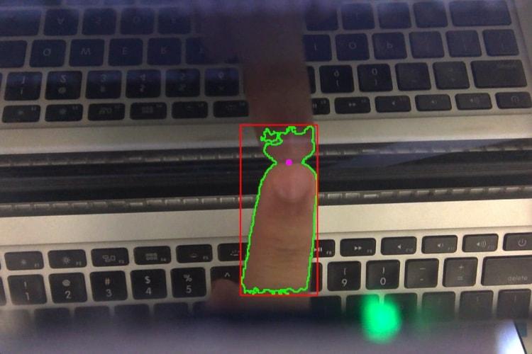 L'écran d'un MacBook Pro rendu tactile pour seulement 1$