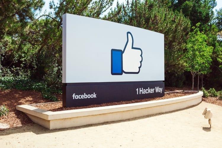 L'affaire Facebook est-elle une aubaine pour Apple ?
