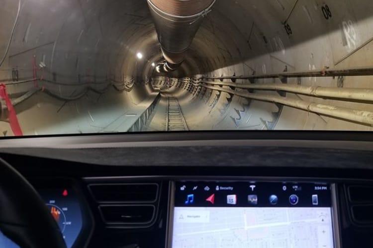 Elon Musk : le billet pour voyager dans les tunnels de la Boring Company coûtera1$