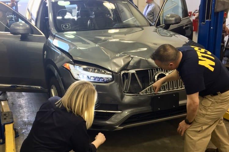 Voiture autonome: Uber réduit ses ambitions
