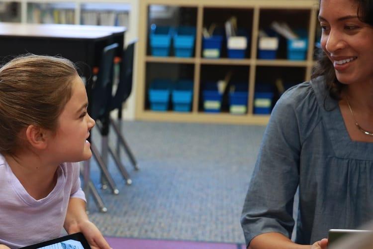 #AppleEDUchat: Apple veut former une communauté d'enseignants-évangélistes sur Twitter