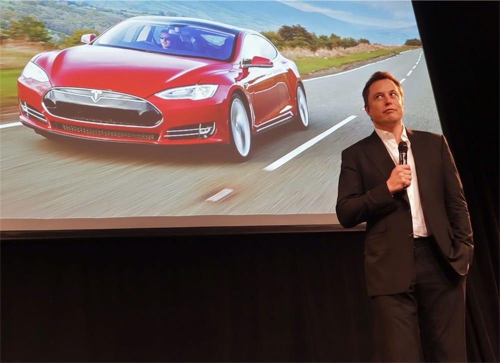 Tesla fait marche arrière — Sortie de bourse
